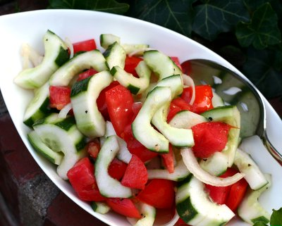 Old Liz's Old-Fashioned Cucumber & Tomato Salad, another easy summer salad ♥ AVeggieVenture.com. Fresh & Seasonal. Low Carb. Weight Watchers Friendly. Vegan. Pinterest Loves It! Best Recipes 2008.