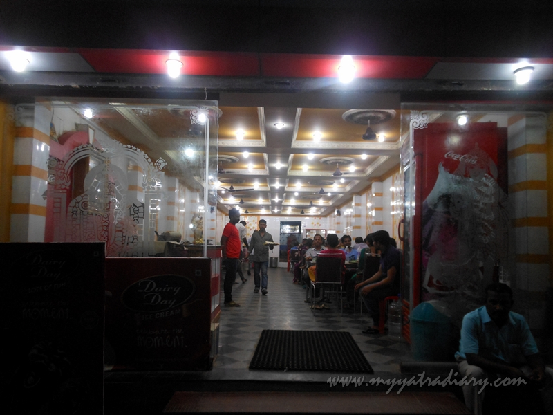 A crowded Hotel Anand Bhavan in Rameshwaram, Tamil Nadu