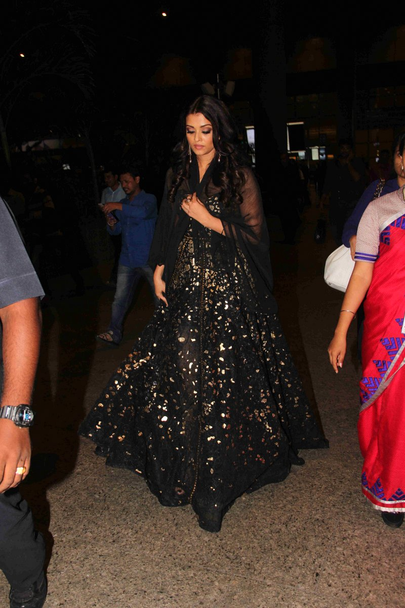 Actress Aishwarya Rai Long Hair Stills In Green Gown