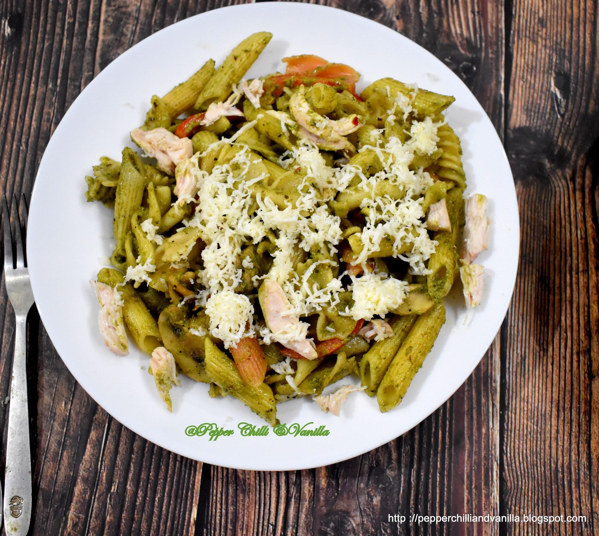 chicken pesto pasta with mushroom and bell pepper