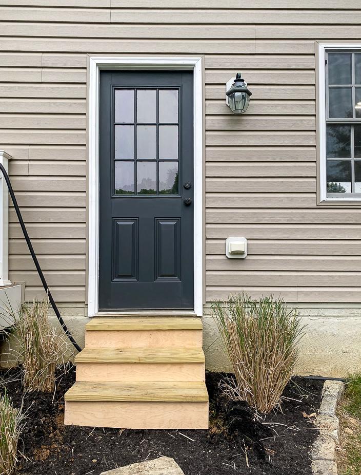 Building exterior steps