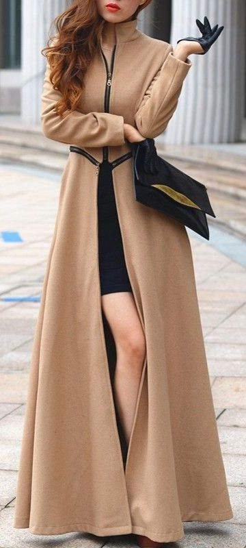 Camel zipped maxi coat with leather gloves