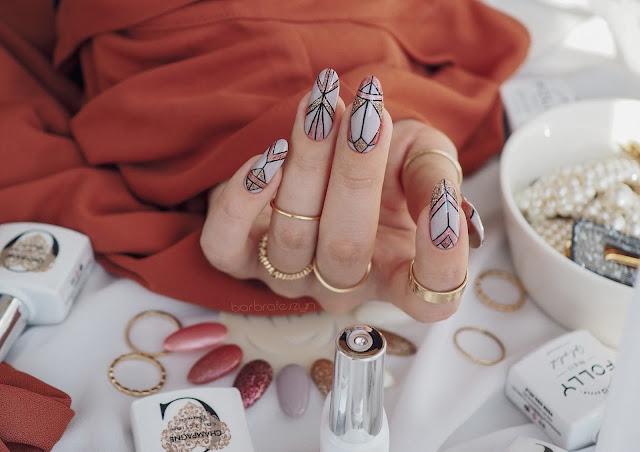 paznokcie glitterowe