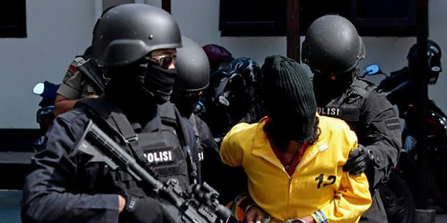 Pasca Bom Bunuh Diri, Polri Tangkap 3 Wanita Terduga Teroris