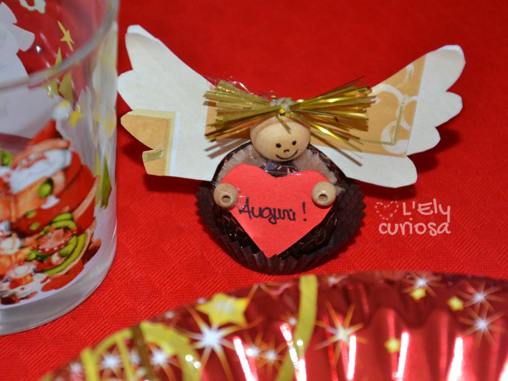 Segnaposto Natalizi In Carta.Segnaposto Di Natale Un Angioletto Con Dentro Un Ferrero Rocher L