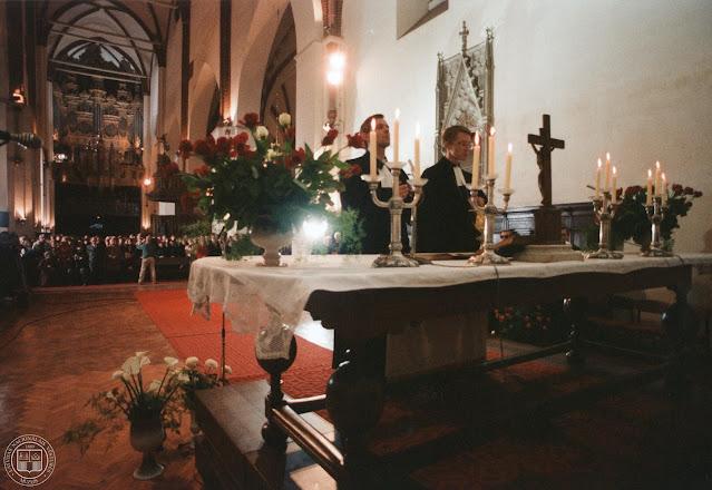 9 октября 1988 года. Рига. Latvijas Tautas frontes dibināšanai veltīts dievkalpojums Doma baznīcā