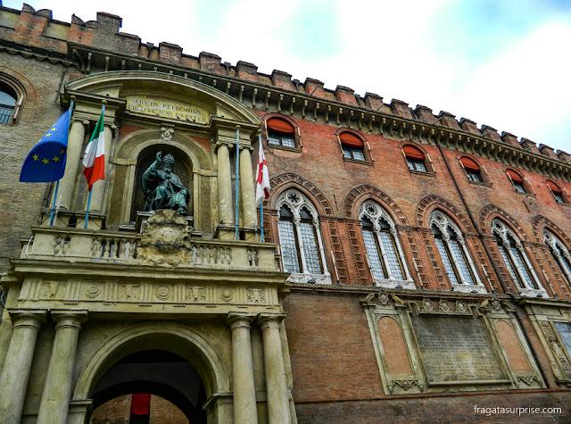 Detalhe da fachada do Palazzo d'Accursio, em Bolonha