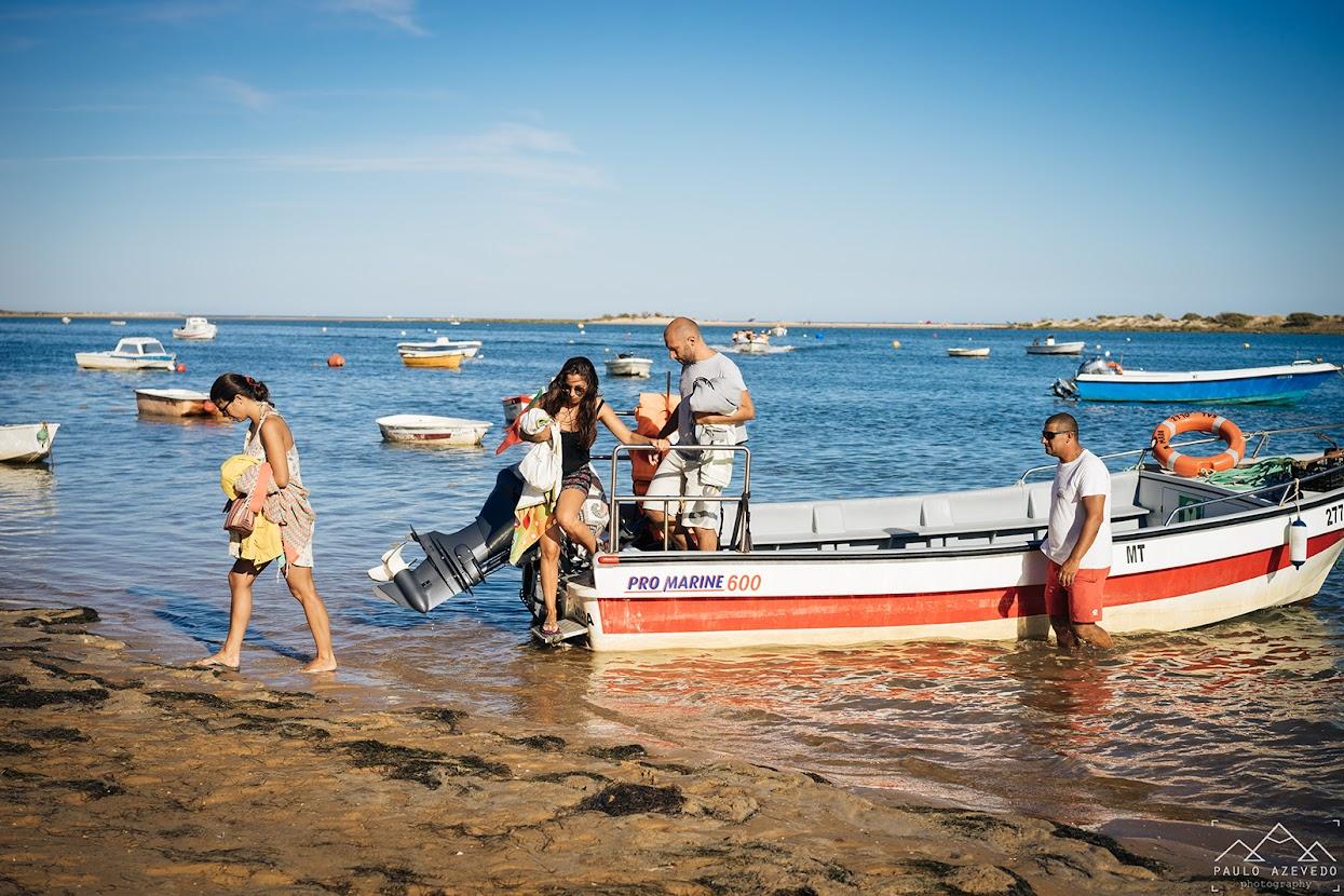 Chegada do barco à Praia da Fábrica