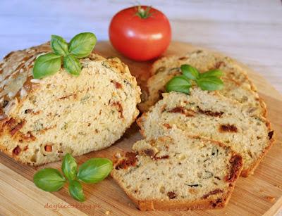 pieczywo, przepis na keks z oliwkami, domowe wypieki, domowy chleb