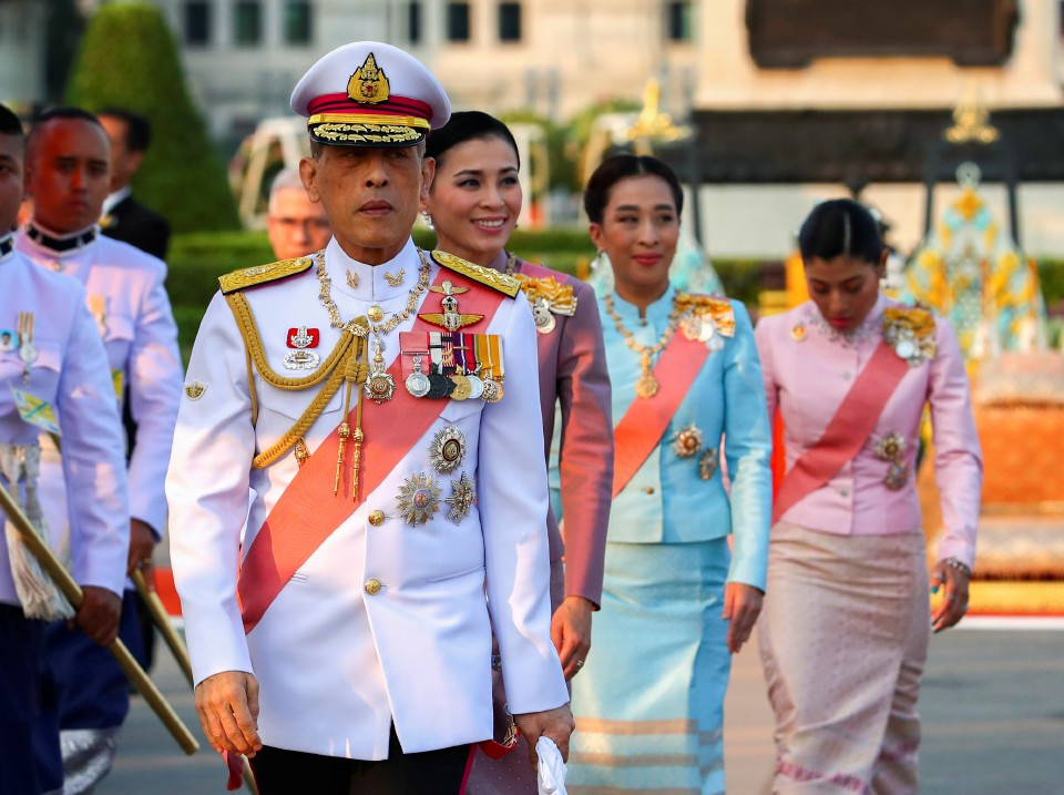 Raja Thailand Pecat 6 Pejabatnya Karena Perbuatan Jahat Mereka