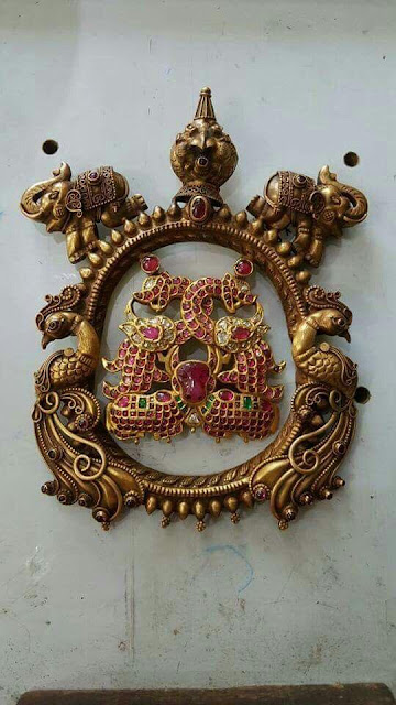Exclusively Crafted Antique Kundan Pendants