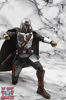 S.H. Figuarts The Mandalorian (Beskar Armor) 50