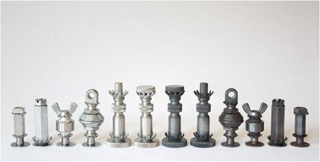 somun ve vidalardan satranç taşları