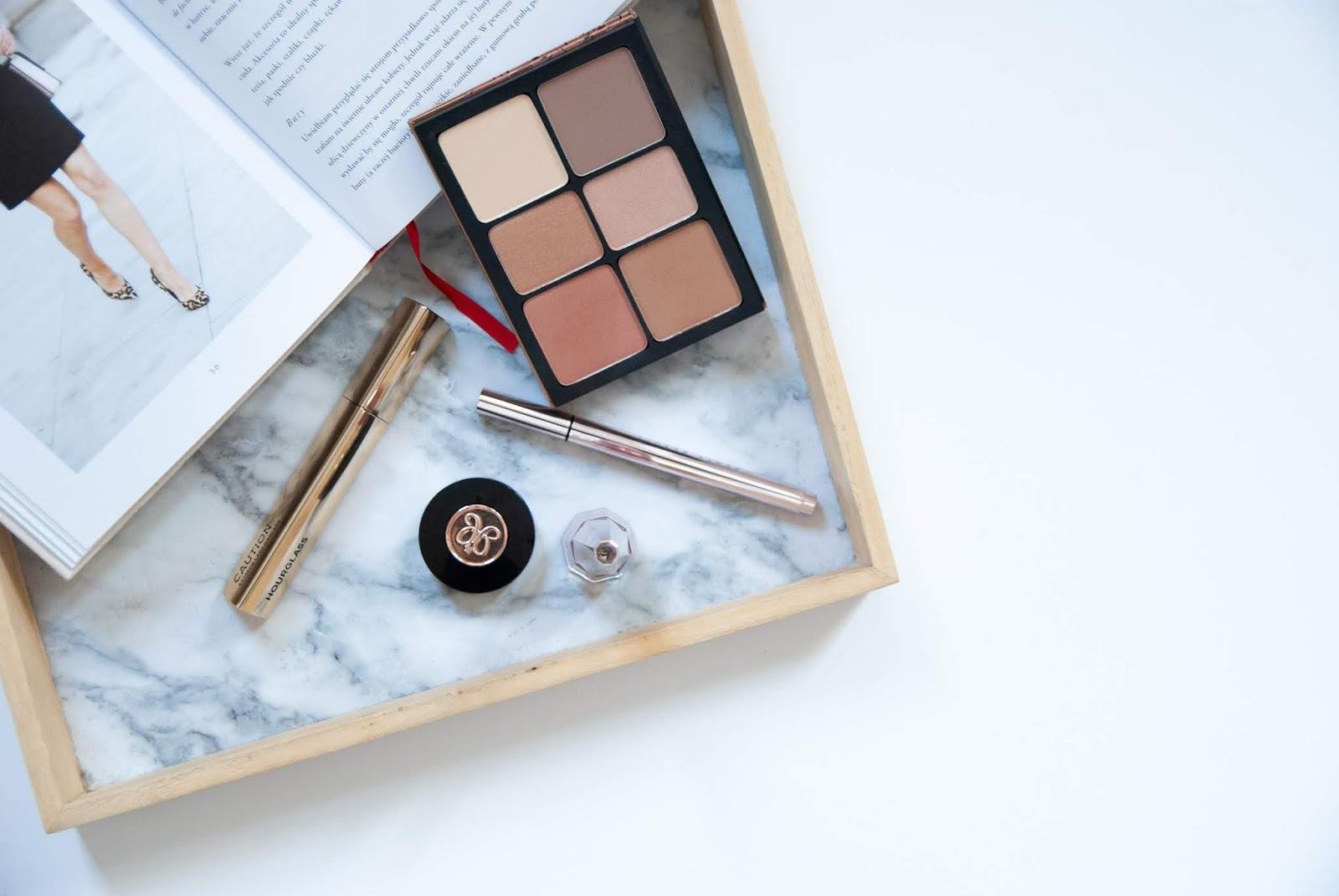 Nowości makijażowe Sephory | Fenty Beauty, ABH, Hourglass