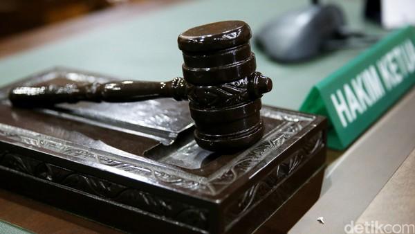 Hakim Lanjutkan Gugatan TPUA yang Minta Jokowi Mundur ke Tahap Mediasi