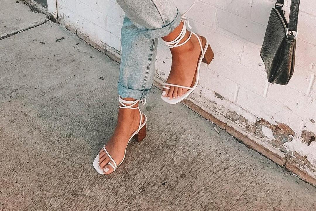 Tendência: Sandálias de Tiras Fininhas