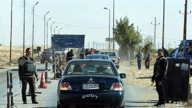 Six Egyptian soldiers killed in Sinai checkpoint attack