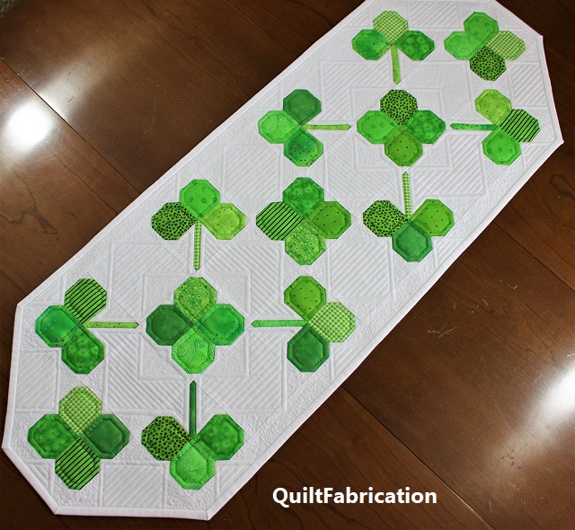 Clover Field table runner