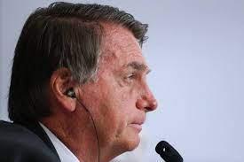 Bolsonaro diz que Poderes devem ser respeitados e que povo não aceita 'retrocessos'