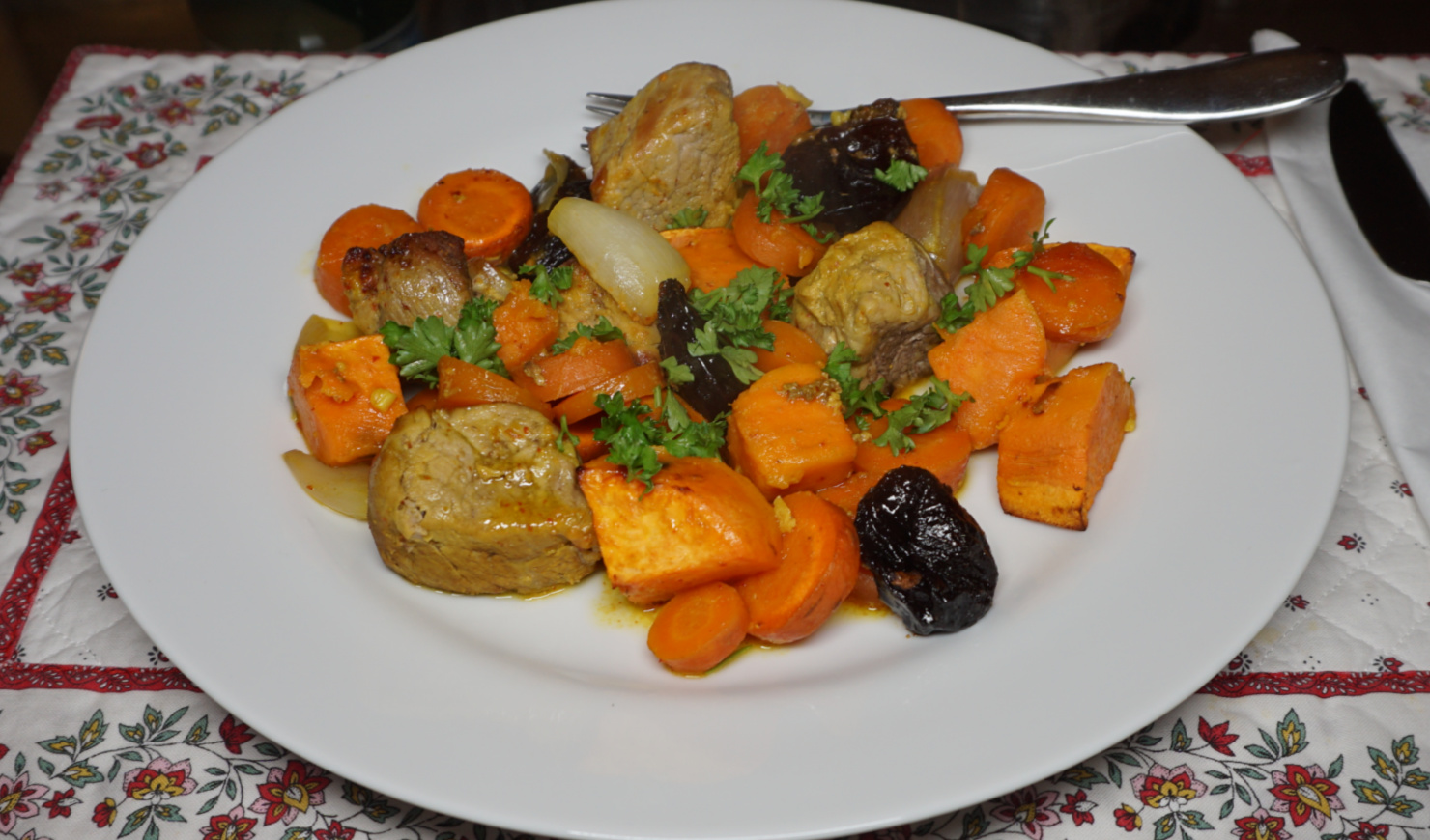 Pork with sweet potatoes and prunes