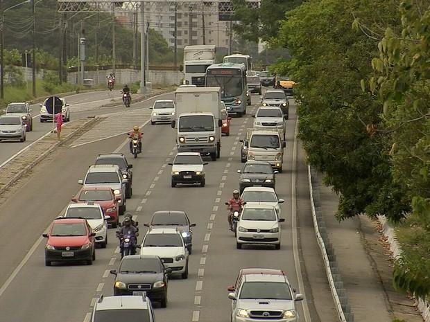 Ceará tem média diária de 94 multas por falta de uso de faróis em rodovias