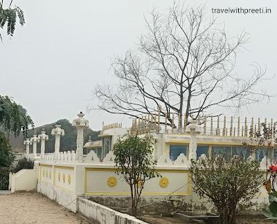 श्रीलंका मंदिर कौशांबी - Sri Lanka Temple Kaushambi / Kaushambi tourism