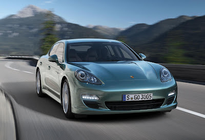 Porsche Panamera 2012 photos