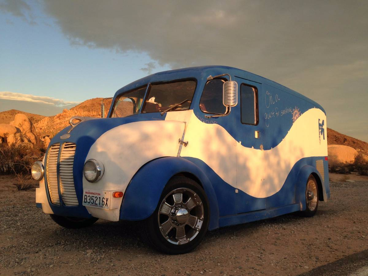Daily Turismo: Built On Chevy G20 Chassis: 1952 Divco Milk ...