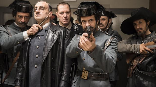 Una escena de El ministerio del tiempo, genial capítulo donde viajan a la España de Franco