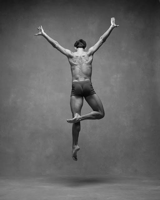 fotos inspiradoras, bonitas, fotografia danza contemporanea, imagenes figura humana en movimiento, blanco y negro,