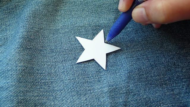 Cazadora-vaquera-con-estrellas-bordadas