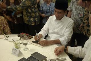 Bahaya Jokowi Tak Baca Terpres Yang Diteken
