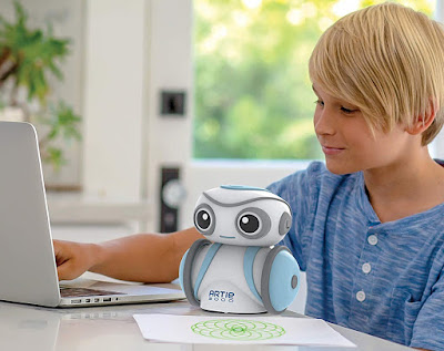 Review of the Artie 3000 drawing coding robot