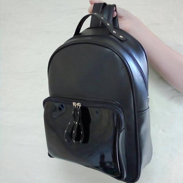 Mochila XL Cuero Eco Bolsillo Tachitas Color Negro | Mod. 5061 XL