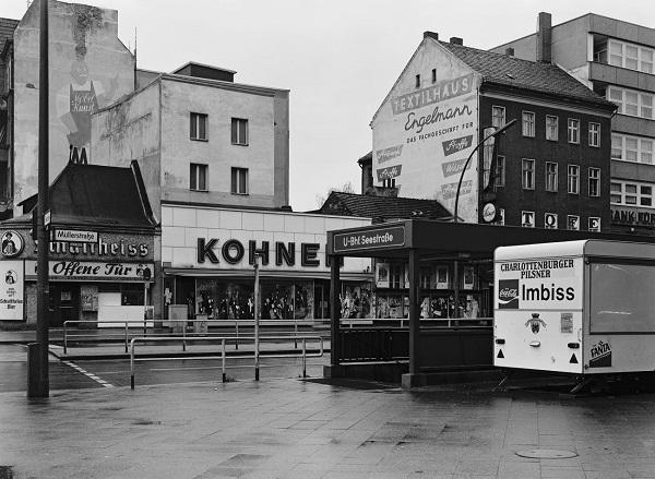 Michael Schmidt, Müller-Ecke Seestrabe, 1976-1978, aus Berlin-Wedding, 1979. | fotos retro vintage - imagenes a blanco y negro chidas