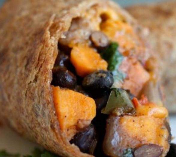 ROASTED VEGGIE AND BLACK BEAN BURRITO RECIPE #vegetarian #dinner