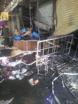 بالصور:  انزكان تفاصيل 3 ساعات من حريق سوق الثلاثاء وأسباب الحادث.