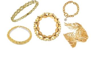 memilih perhiasan wanita