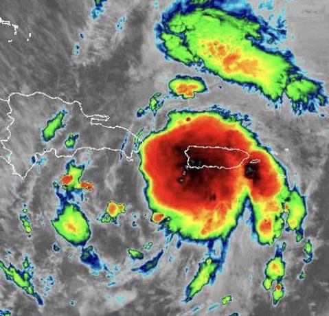 Tormenta Isaías tiene vientos sostenibles de 95 kilómetros por hora