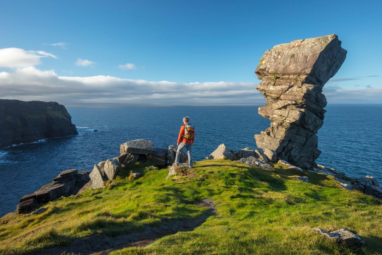 """Посещение """"голова ведьмы"""" на скалах Мохера в Ирландии"""