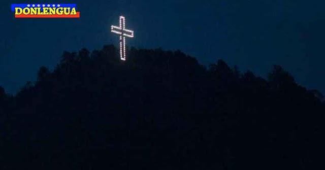 Régimen de Maduro ordenó encender la Cruz del Ávila para comenzar la navidad en Septiembre