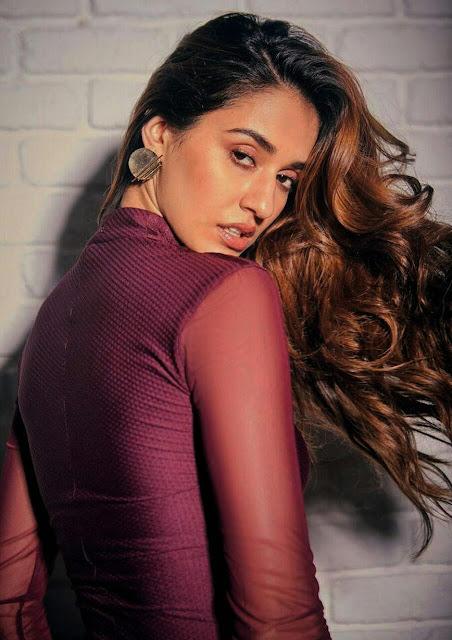 Actress Disha Patani Smile Instagram Photos Wallpaper