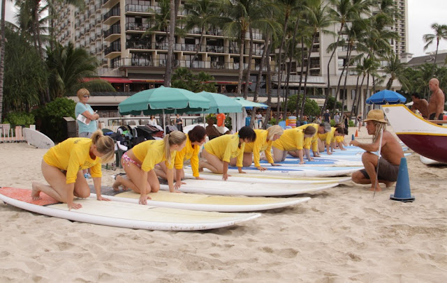 Surfkurs am Waikīkī Beach