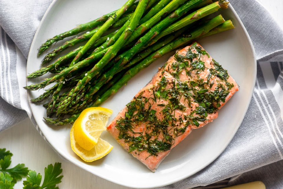 AIr Fryer Recipes : Keto / Low Carb  Airfryersalmonandasparagus