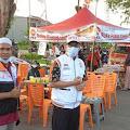 PKS Kalbar Bagi-bagi Takjil Gratis ke Masyarakat