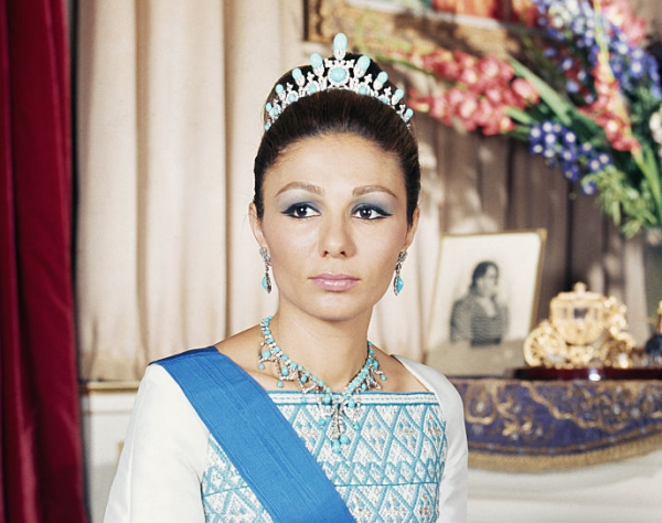 Jewelry 2018 >> The Daily Diadam: Farah Pahlavi's Turquoise Tiara | The Court Jeweller