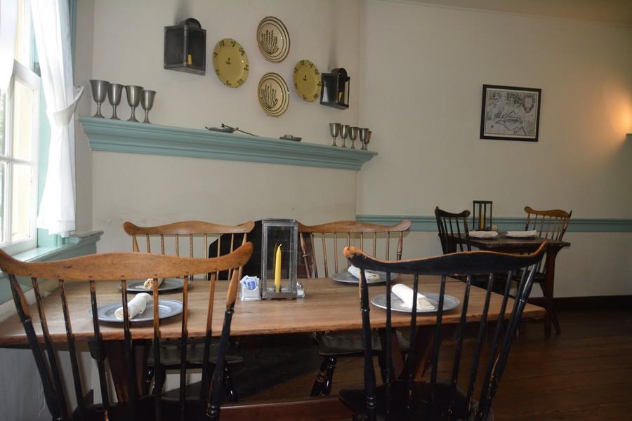 Déjeuner à The Taverne In Old Salem
