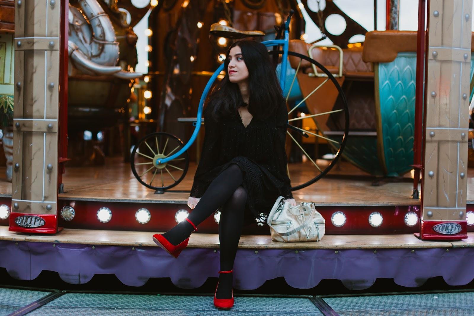 manteau laine comptoir des cotonniers, sac sabrina paris, babies un si beau pas, blogueuse mode, blog mode, modeuse, influenceuse mode, ameni daily, tendance babies, tendance sac doré, blogueuse lyonnaise,blogueuse parisienne, chaussure personnalisable, chaussure sur-mesure