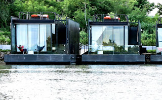 X float houses