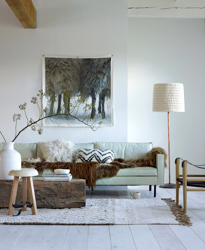 Beautiful and cozy l living room styled by Marianne Luning